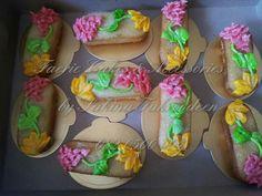 Mini cakes Novelty Cakes, Mini Cakes, Mexican, Ethnic Recipes, Desserts, Food, Tailgate Desserts, Deserts, Eten
