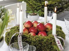 center piece made of apples and wreath