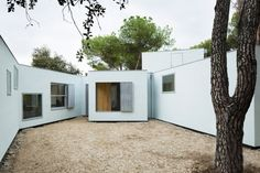 """#architecture : Architizer Blog » Featured Project: Architects Create Not 1 But 11 """"Houses"""" For Family"""