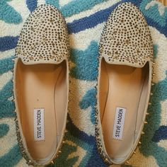 Steve Madden Gold Sparkly Flats In great condition except for the bottoms and tips (as shown) but nothing that takes the cuteness away from these shoes! 😍 Steve Madden Shoes Flats & Loafers