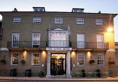 An award-winning Georgian hotel on the gorgeous Dorset coastline, with a Michelin-accredited restaurant - includes breakfast and a bottle of wine