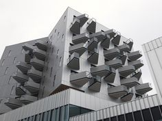 Gestapelt, nicht gemixt - Hybrides Haus für Universität und Stadtverwaltung von Hérault Arnod in Rennes