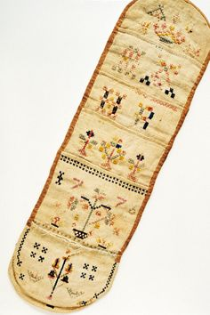 "Winterthur Museum, linen, wool, silk, from Pennsylvania or mid-Atlantic; 14.75"" x 4.37"""
