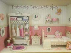Cuadro Dormitorio de Niña con miniaturas. Colores Rosa, crema y blanco. Medidas aproximadas 40x30x10cm Con marco y vidrio incluido. Patricia Cruzat Artesania y Color