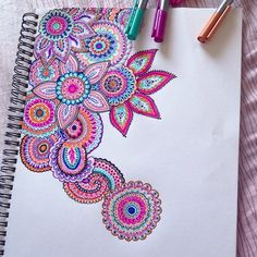 doodles. love this one. I try to do drawing like this but I end up not knowing what pattern to do next