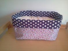 Tuto simple et détaillé pour réaliser une panière en tissu rectangulaire adaptée aux couches des bébés mais pouvant aussi servir de vide poches.