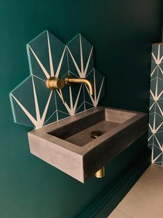 Small bathroom concrete sink | Etsy Concrete Basin, Concrete Bathroom, Concrete Counter, Concrete Art, Polished Concrete, Bathroom Plants, Aberdeen, Small Sink, Small Toilet