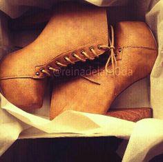 Pin it si te encantan estas botas :-)