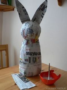 Paper make Easter Bunny 02 - Top Paper Crafts Paper Mache Crafts For Kids, Paper Mache Projects, Art Projects, Diy Paper, Paper Art, Paper Mache Animals, Paper Mache Sculpture, Newspaper Crafts, Newspaper Basket