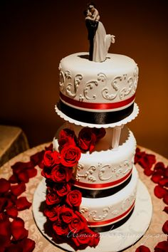 A stunning red and white beautifully decorated with real Photography: Arman's Photography Cake Shots, Pinterest For Business, Photography Business, Red And White, Wedding Cakes, Roses, Desserts, Food, Wedding Gown Cakes