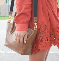 The Lace dress - The color palette a lifestyle, fashion & beauty blog
