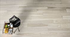 Are you searching for something other than hardwood? Choose wood effect porcelain stoneware. Refined and modern floorings suitable for all areas. Modern Flooring, Kitchen Styling, Mosaic Tiles, Natural Stones, Stoneware, Tile Floor, Hardwood Floors, Concrete, Sweet Home