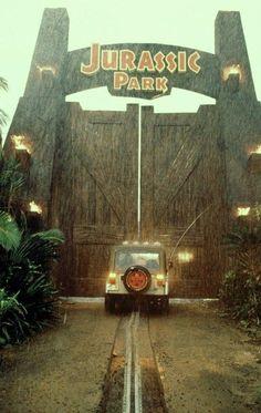 Jurassic Park (1993) Jurassic World Park, Jurassic Park Jeep, Jurassic Park Party, Jurassic Park Series, Michael Crichton, Jurassic Movies, Jurrassic Park, Science Fiction, Thriller