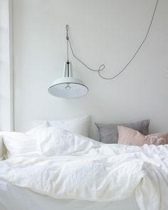 Bedroom ideas for small rooms, maximized your small bedroom with design, decor master spare layout inspiration for men and women - small bedroom ideas Dream Bedroom, Home Bedroom, Bedroom Decor, Airy Bedroom, Bedroom Interiors, My New Room, My Room, Decor Scandinavian, Ideas Hogar