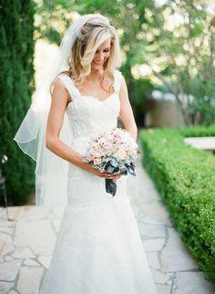 Photography: Paul Von Rieter - vonrieter.com Floral Design: Lynda Gayle Weddings - facebook.com/pages/Lynda-Gayle-Weddings/258770220816563?ref=tn_t Event Coordination: OC Party Places & Reception Sites - ocpartyplaces.com