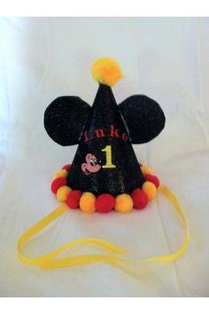 Sombrerito de fiesta de Mickey Mouse para el cumpleañero.