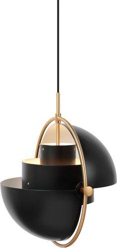 Multi-lite lampen fra GUBI ble opprinnelig designet av Louis Weisdorf i 1972- Taklampen består av to sylindre og to skjermer som kan roteres. På denne måten kan du selv bestemme om du ønsker lyset skal lyse opp eller ned. Skjermene kan dreies uavhengig av hverandre slik at lyset spres i begge retninger. Louis Weisdorf Lampen leveres med stoffledning E27 sokkel Mål 36cm i diameter
