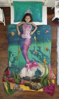 MERMAID BEDDING--this is so cute for a girls room! Comes in other themes like firefighter, princess, etc...find it here: http://amzn.to/1WTwk2Z