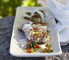 Grillad torskrygg med grillade färskpotatisar, chimichurri och parmesanost   Recept.se