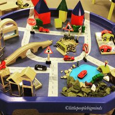 We explored how transportation connects communities in the tuff spot. This is also a great way to learn about signs, positional language and shapes. Positional Language, Tuff Spot, Community Workers, Tuff Tray, Transportation Theme, Queen Birthday, Small World Play, Early Math, Messy Play