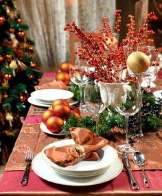 25 High Ranking Christmas Table Decorations on Search Engines | Christmas Celebrations
