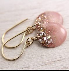 These #homemade #earrings by Home Heart Craft are lovely!!#accessories #jewelry