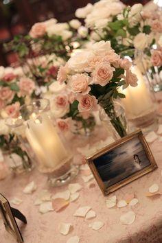 想い出の写真を飾るテーブル シェ松尾青山サロン様へ : 一会 ウエディングの花