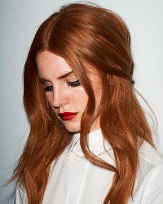 Lana Del Rey rich copper hair Hair 60 Fresh Spring Hair Colors For The REAL Fashionistas Blond Rose, Brown Blonde Hair, Red Hair Tan Skin, Orange Brown Hair, Red Hair Brown Eyes, Blonde Dye, Long Red Hair, Short Blonde, Short Hair