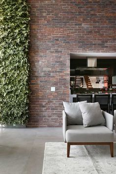 Um casal jovem com duas filhas pequenas procurou o escritório GF Projetos para a mudança do seu apartamento de 160 m², no Brooklin, em São Paulo. Um dos nossos maiores desafios nesse projeto foi a