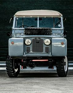 Land Rover 88, Land Rover Series 3, Defender 110, Land Rover Defender, Off Roaders, Cargo Aircraft, Terrain Vehicle, Learning To Drive, Vintage Trucks