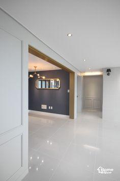 47py 대전 노은동 열매마을 8단지 새미래 40평대 아파트 인테리어 : 네이버 블로그 Korean Apartment, Vitrified Tiles, Tile Layout, Living Room Decor, Kitchen Design, Sweet Home, Decoration, Interior Design, House