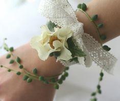緑と実ものと ラ・ビュット・ボワゼ様の装花 : 一会 ウエディングの花 生花のリストレット