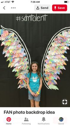 Top 16 whole school collaborative projects for the new school year - feathered wings with each child decorating their own feather. Collaborative Art Projects, School Art Projects, School Doors, School Hallways, School Murals, Art School, Catholic Schools Week, School Week, School Decorations