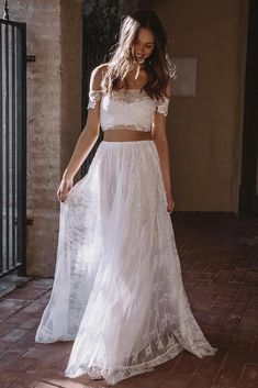 If you& been searching for effortless dresses without the wedding-gown stereotype, let this new Grace Loves Lace wedding dress collection be your guide! 2 Piece Wedding Dress, Cream Wedding Dresses, Wedding Dresses 2018, Wedding Dress Trends, Wedding Dress Shopping, Perfect Wedding Dress, Lace Wedding, Green Wedding, Wedding Shoes