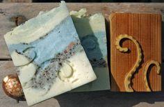 Tentacoli e ventose  - Compensato Pioppo applicato su supporto di legno n.p. - Dim. 4x4,4 cm. Tentacles and suckers - Poplar plywood applied on wooden support n.p. - Dim . 4x4,4 cm .