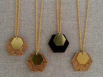 Kette mit Anhänger aus Kork Diy Schmuck, Vegan, Etsy, Gold Necklace, Camper Trailers, Jewelry, Blog, Corks, Sustainability