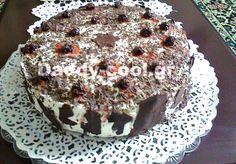 Μιατούρτα black forest που ησυνταγή έχειμικρές αποκλίσεις από την αυθεντική συνταγή που γνωρίζουμε όλοι. Τα υλικά αφορούν ένα μεγάλο τετράγωνο ταψί για δύο παντεσπάνια εσωτερικά ενώ στην συγκεκριμένη τούρτα χρησιμοποίησα φόρμα διαμέτρου 26 – 28 Black Forest, Muffin, Pudding, Breakfast, Cake, Desserts, Food, Morning Coffee, Tailgate Desserts