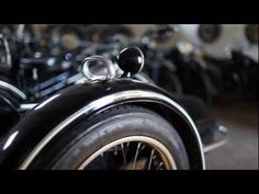 "Dulce y apasionado video sobre esta marca de leyenda creado por Giorgio Oppici per la concessionaria BMW MOTORRAD di Vicenza, Italia.   Giorgio Oppici: ""Non esiste futuro senza passato"" (No existe futuro sin pasado)."
