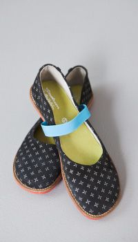more lovely shoes from sweden. by gudrun sjoden.