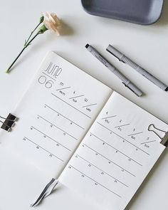 35 Minimalist Bullet Journal Spreads You Have To Try Right Now - - Bullet Journal - Simple, Beautiful and Minimalist Bullet Journal Weekly Spreads/Layouts you need to try right now. Bullet Journal Banners, Bullet Journal Simple, Bullet Journal Weekly Spread Layout, Bullet Journal Spreads, Bullet Journal Minimalist, Bullet Journal Notebook, Bullet Journal Aesthetic, Bullet Journal Inspo, Bullet Journals
