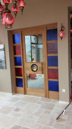 Vitraylı kapı