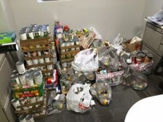 Qui le savait ? Mozy est une entreprise humaine et participe à plusieurs oeuvres de charité. Ici une collecte de denrées alimentaires.