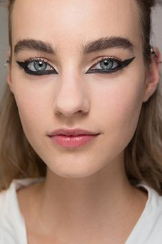 Christian Dior Fall 2016 Couture Fashion Show Beauty
