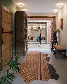 Open House Bruna Lucchesi | Casa de Valentina Gazebo, Open House, House Tours, Animal Print Rug, Living Room Designs, Oversized Mirror, Furniture, Home Decor, Interiors