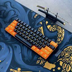Gaming Room Setup, Pc Setup, Diy Mechanical Keyboard, Graffiti Pictures, Whatsapp Wallpaper, Video Game Rooms, Key Caps, Home Office Setup, Ps4 Controller