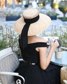 """3f7fc522 Aida Đapo Muharemović on Instagram: """"Hats are everything! When you wear a  hat, it is like medicine for the soul. The hat is the expression of who you  are as ..."""