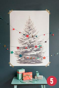 #CHRISTMAS - A great simple idea: Print out a picture of a tree and decorate with a string of stars