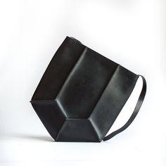 Pentagon Umhängetasche  geometrische Bag  handgemachte von CrowSLC