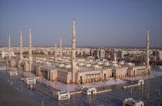 Masjid Al Nabawi in Madinah - Saudi Arabia.jpg