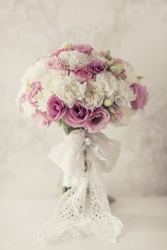 bridal bouquet....pretty but need to change to MY color scheme...